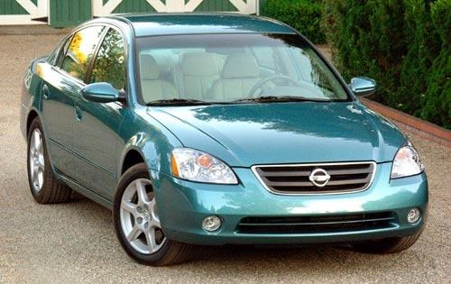 Boston TV Station Investigates Rusty 13-Year-Old Nissans
