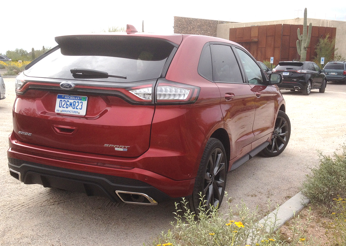 2015 Ford Edge rear BR