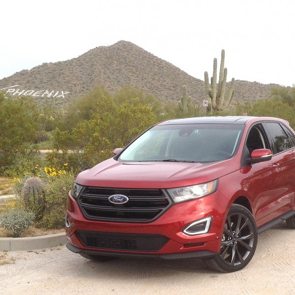 2015 Ford Edge red photo