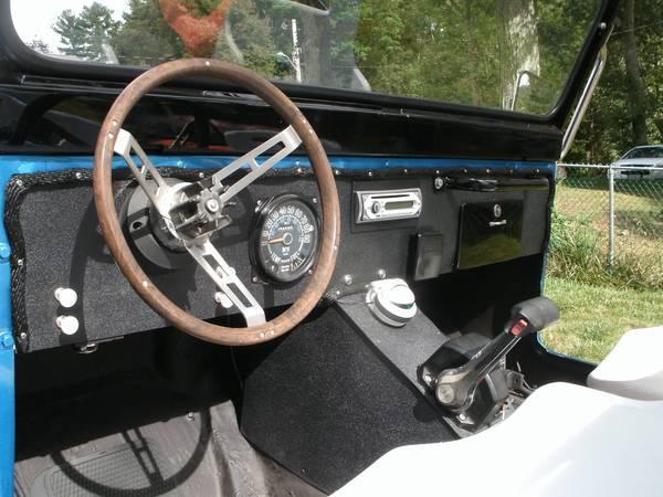 Jeepski Interior