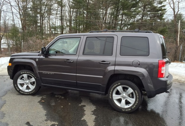 REVIEW: 2015 Jeep Patriot Is a Budget SUV That's Plenty Capable
