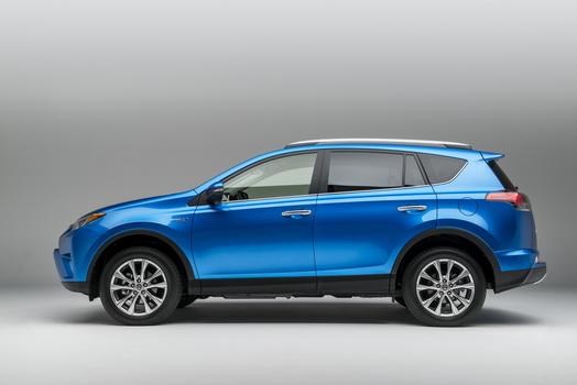 2015_NYIAS_2016_Toyota_RAV4_Hybrid_005_66525_2524_low