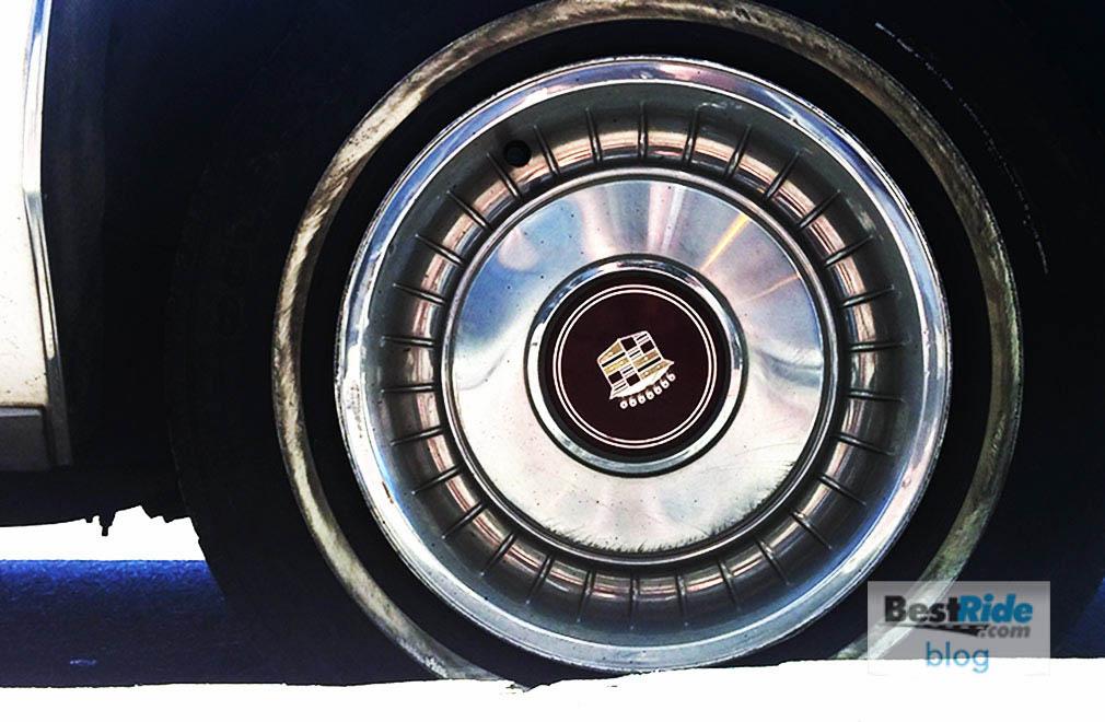 Cadillac_1982_Sedan_deVille_1-12