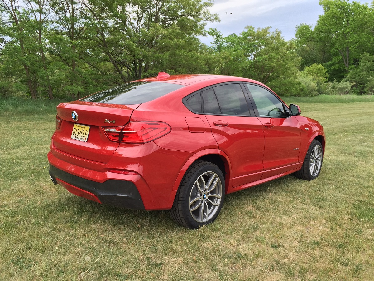 2015 bmw x4 xdrive35i is a crossover with sedan style and handling bestride. Black Bedroom Furniture Sets. Home Design Ideas