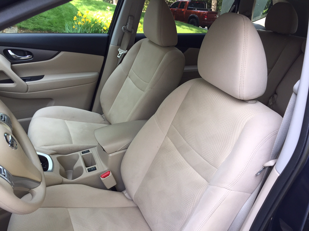 2015 Nissan Rogue Front Seating