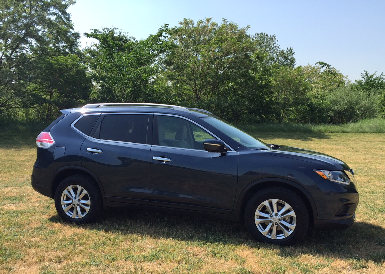 2015 Nissan Rogue Profile