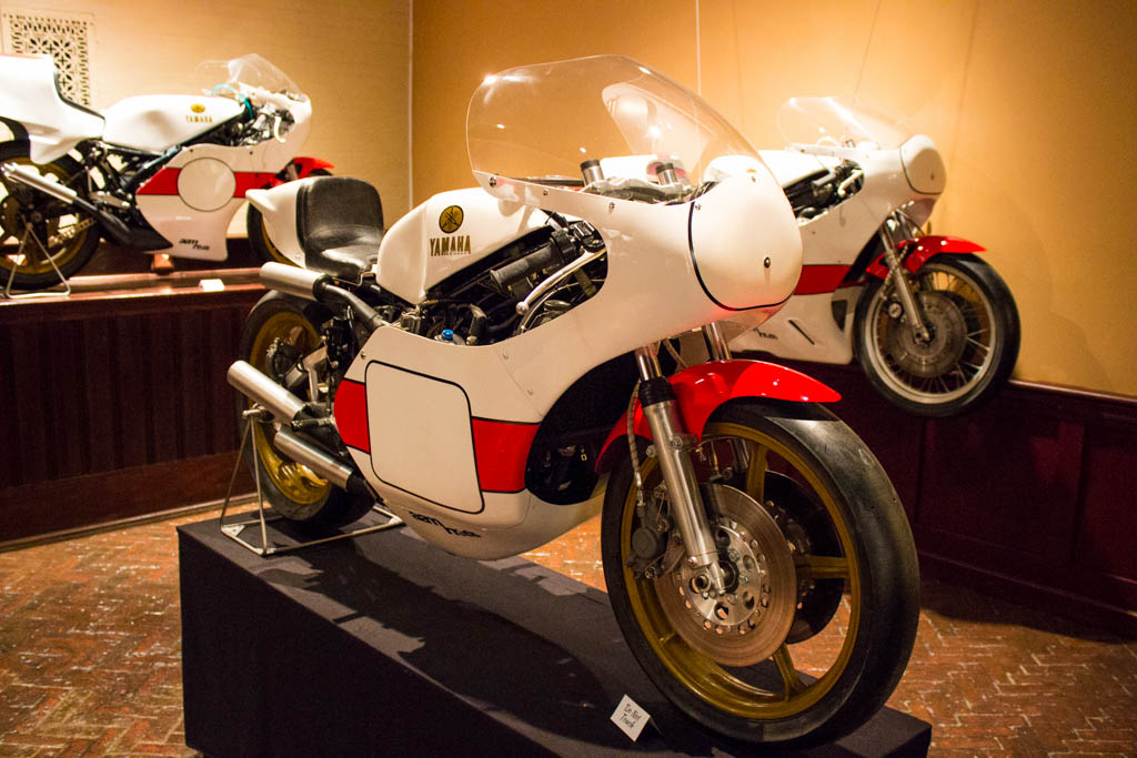 Dodge-hellcat-and-larz-anderson-motorcycles-35