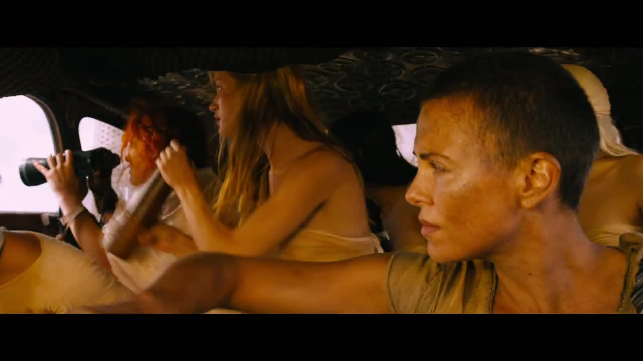 Mad-Max-Fury-Road-trailer-2