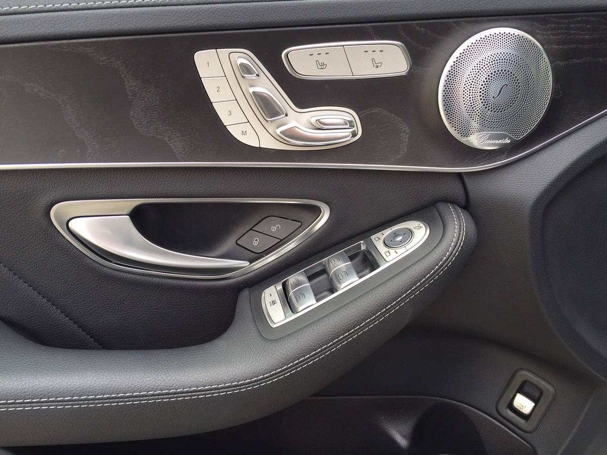 Mercedes-Benz C300 Door