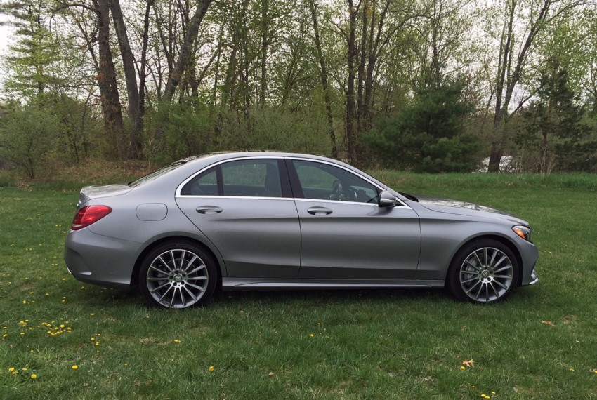 2015 mercedes benz c300 luxury and performance in a well for Mercedes benz recommended oil