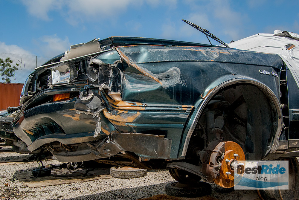 junkyard_pics_accidents_damage-11