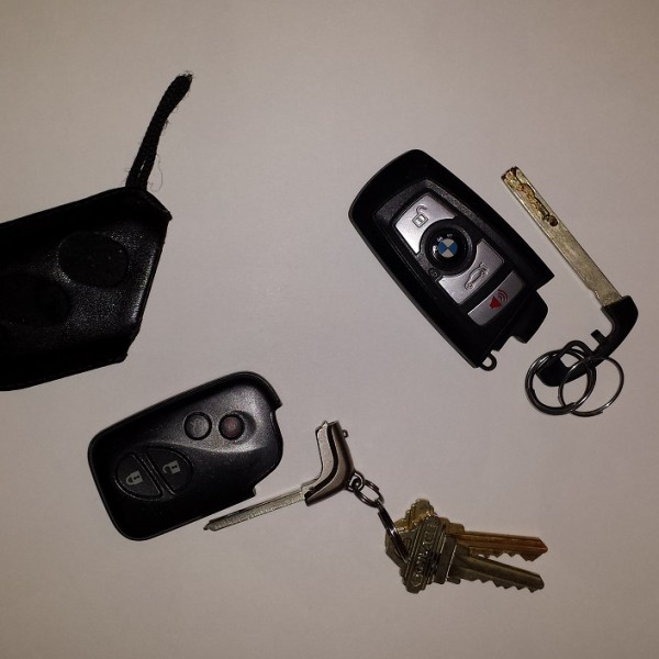 Unlock car with dead key fob