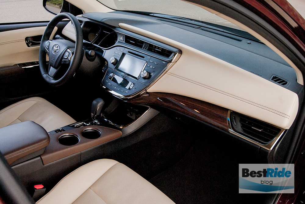 toyota_avalon_hybrid_2015_review_2-6