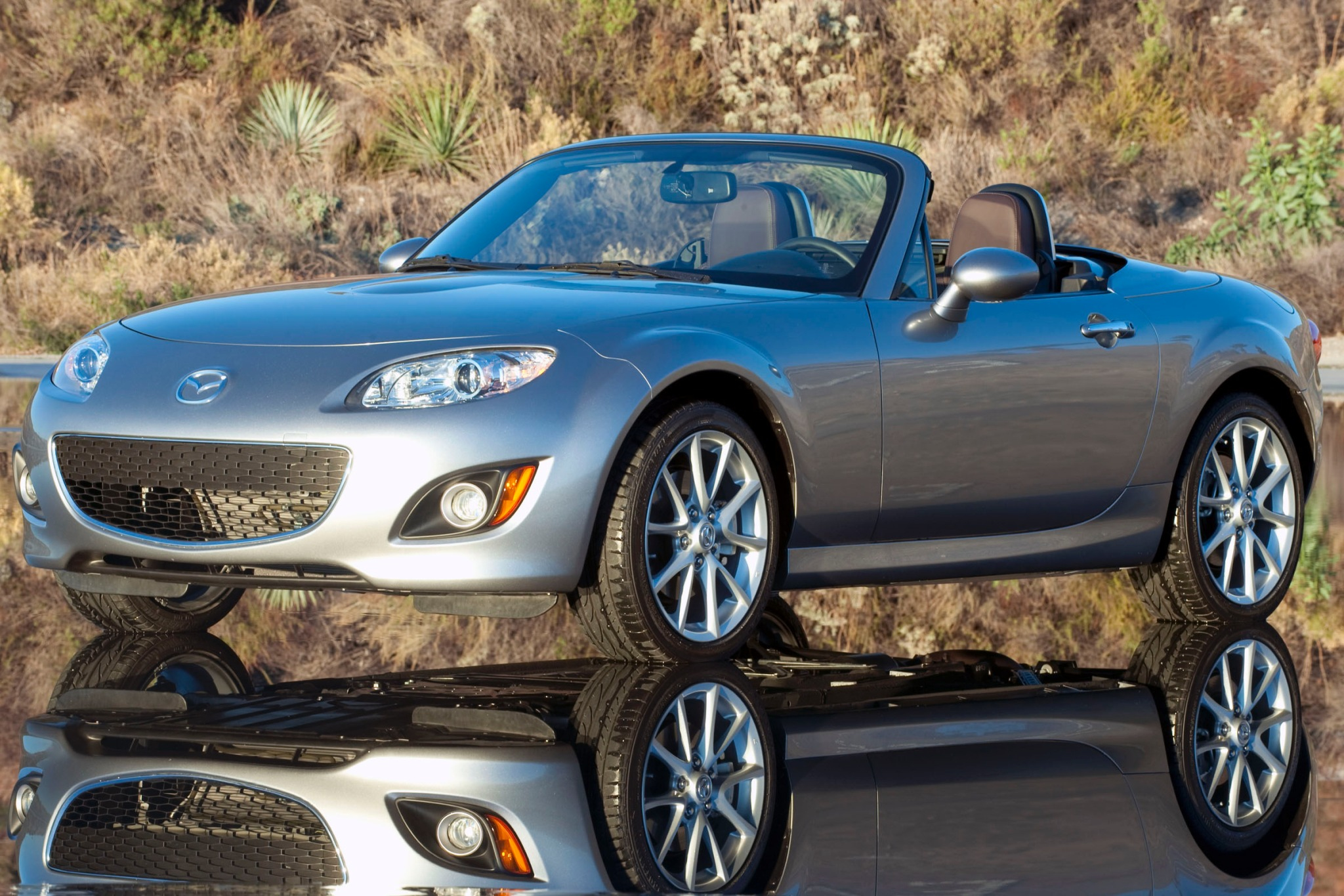 2012_mazda_mx-5-miata_convertible_grand-touring_fq_oem_4_2048