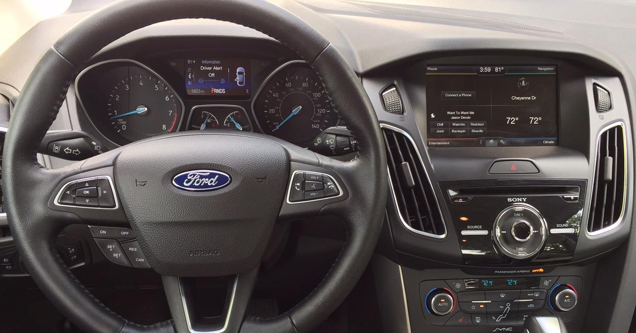 2015 Ford Focus Titanium Dashboard