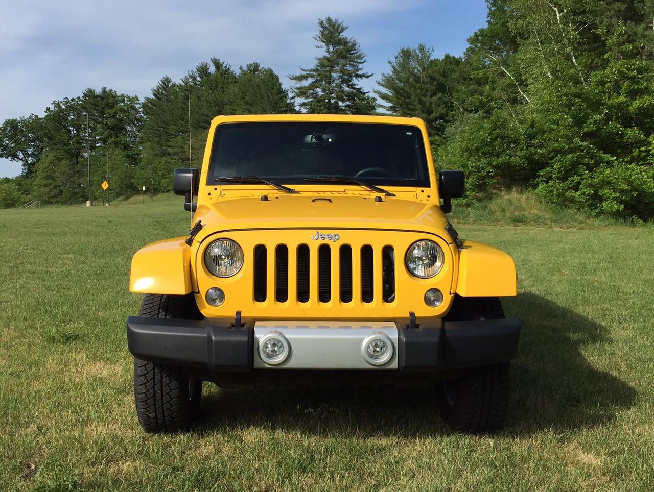 2015 Jeep Wrangler Unlimited Sahara 4x4 Front