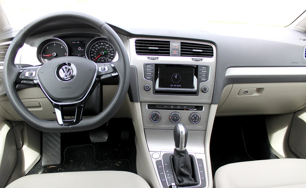 2015 VW Golf SportWagen TDI S Interior Dash