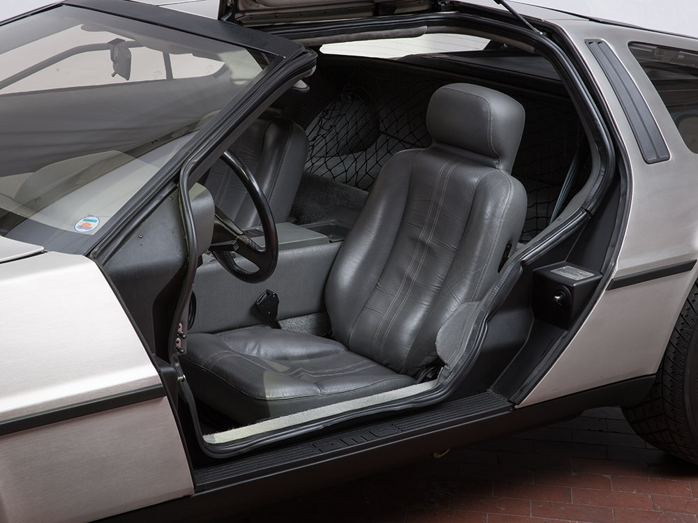 Interior DeLorean