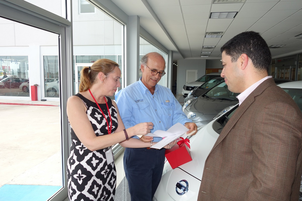 Nissan offers leaf owners 5000