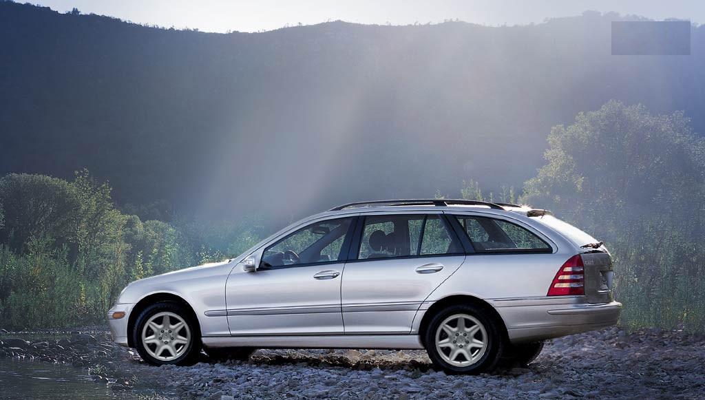 2004-Mercedes-Benz-C-Class-C320-Wagon-1