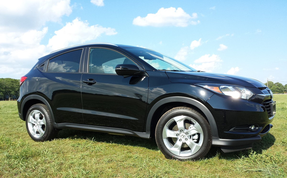 review 2016 honda hr v awd ex l 5dr meet honda 39 s next huge hit bestride. Black Bedroom Furniture Sets. Home Design Ideas
