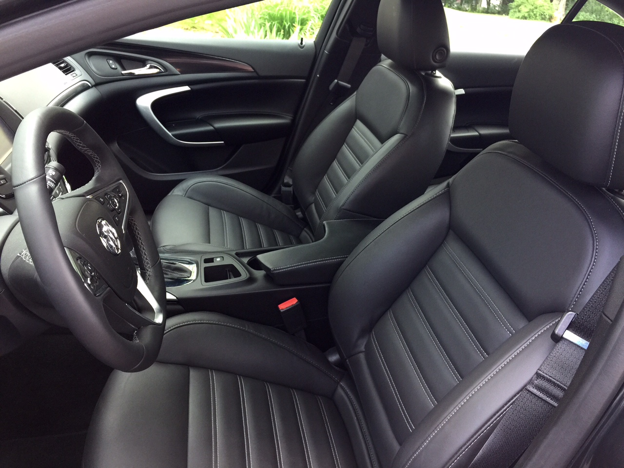 review the 2015 buick regal gs is a beautiful package. Black Bedroom Furniture Sets. Home Design Ideas