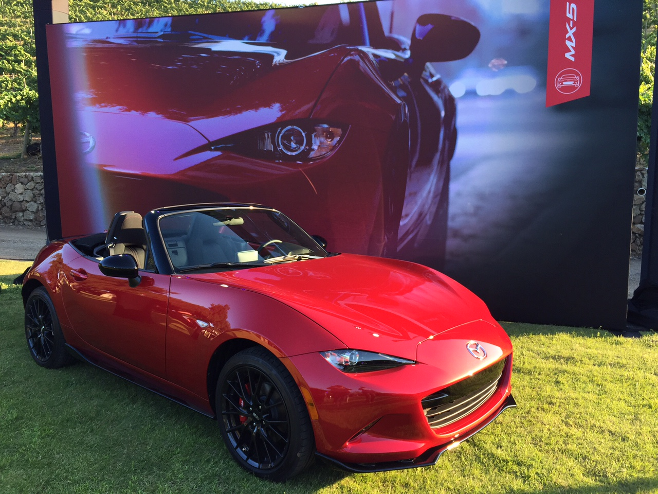 2016 Mazda Miata MX-5 Display