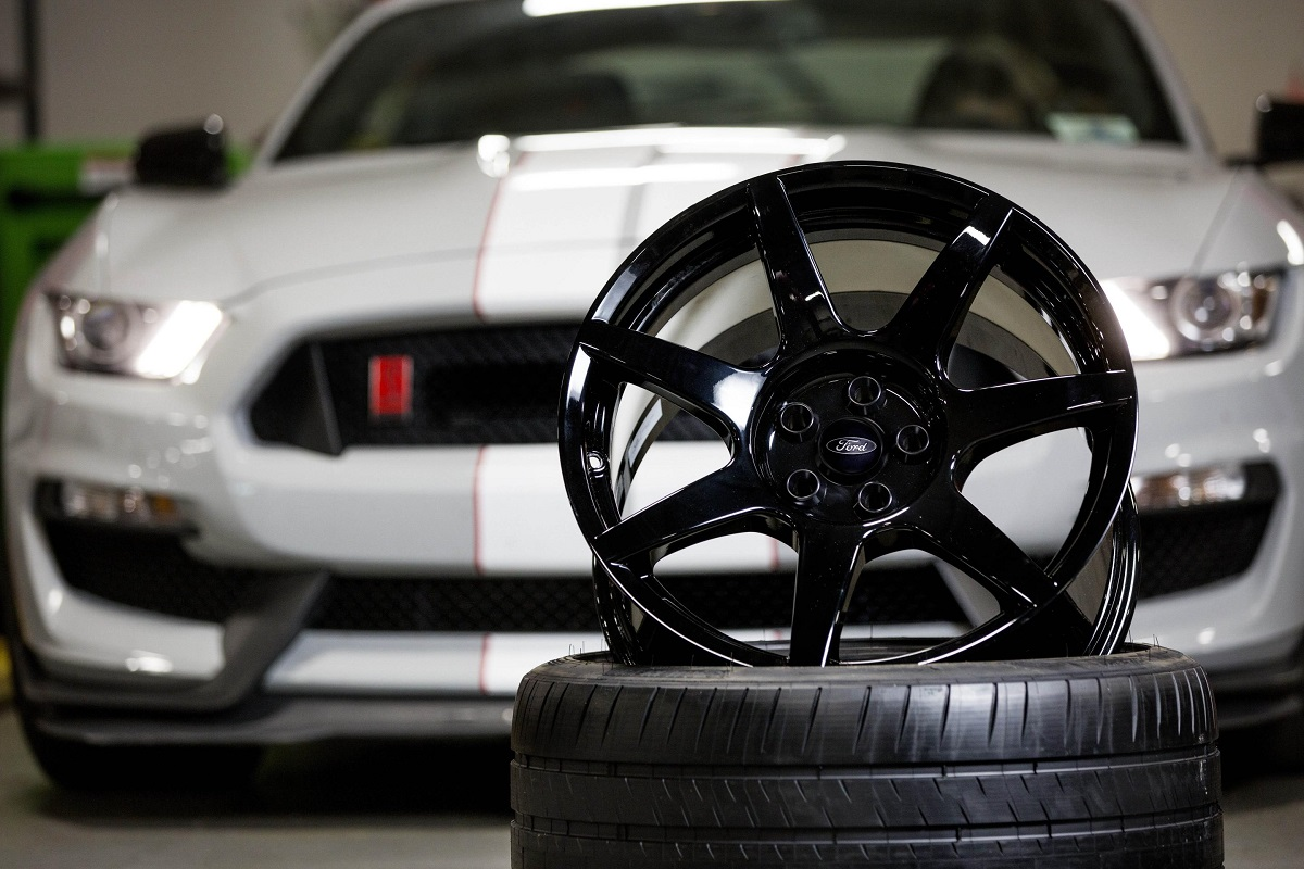 Ford carbon wheels
