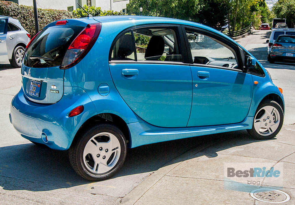 REVIEW: 2016 Mitsubishi i-MiEV ES - Good For Something | BestRide