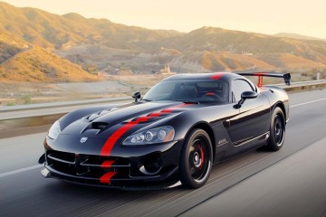 2015-Dodge-Viper-SRT-Side-II