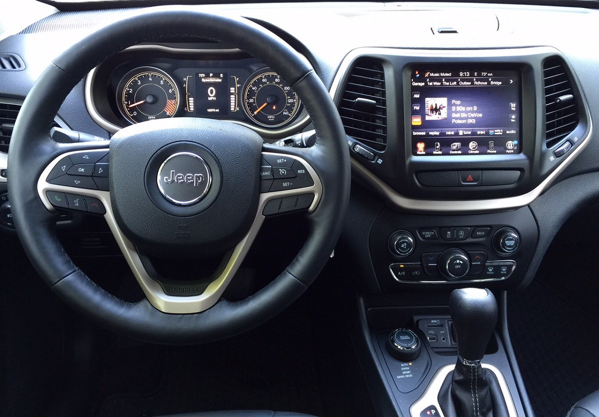 2015 Jeep Cherokee Latitude Dashboard