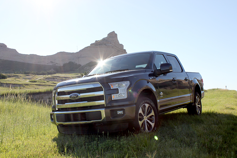 review 2015 ford f 150 king ranch luxury bestride. Black Bedroom Furniture Sets. Home Design Ideas