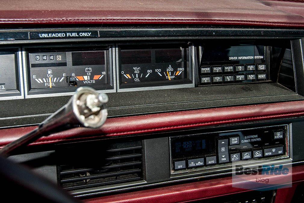 junkyard_buick_oldsmobile_luxury_1-6