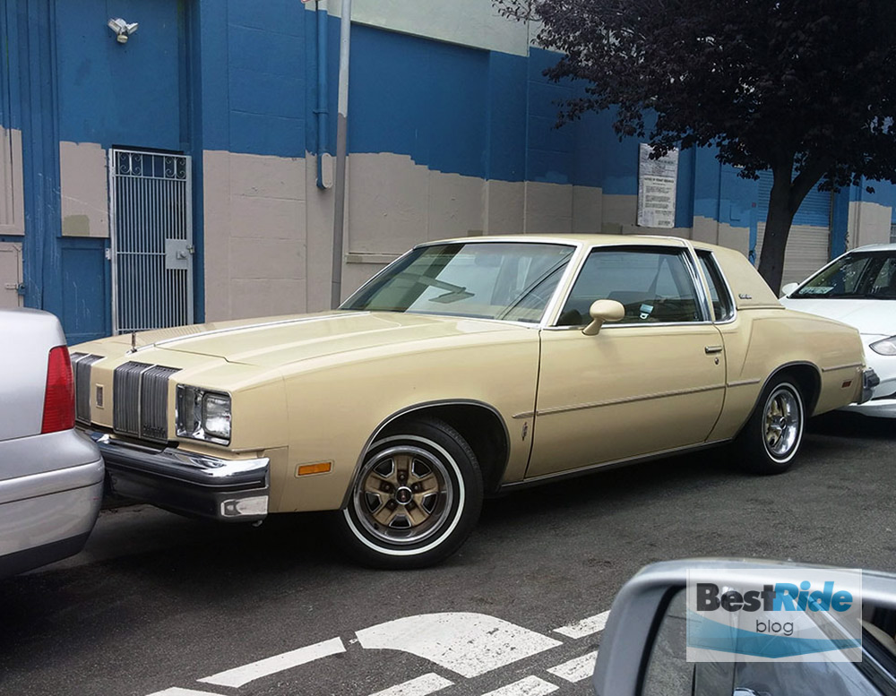 oldsmobile_cutlass_supreme_1979_1-6