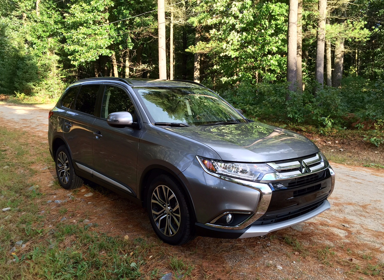 Blog Post | REVIEW: 2016 Mitsubishi Outlander Shows Off an