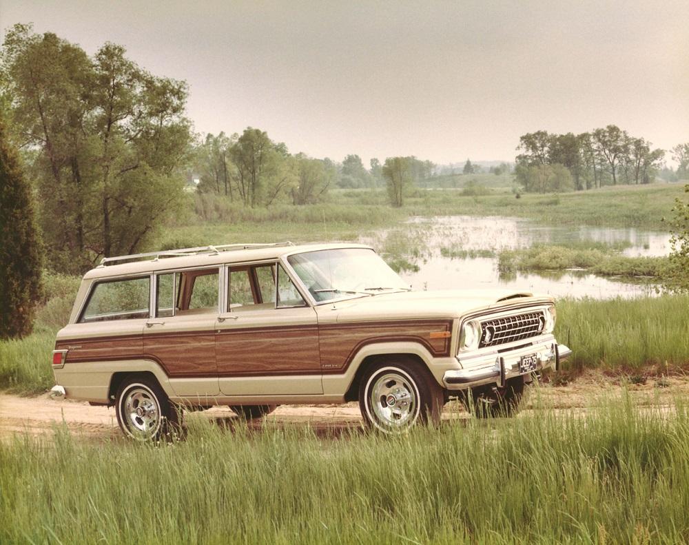 Jeep Wagoneer - 1975 full wood