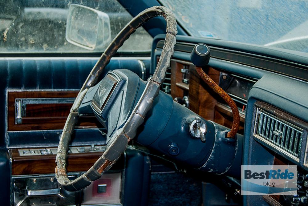 junkyard_cadillac_fleetwood_limousine_1987_1-10