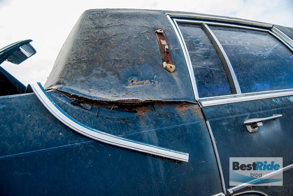 junkyard_cadillac_fleetwood_limousine_1987_1-14