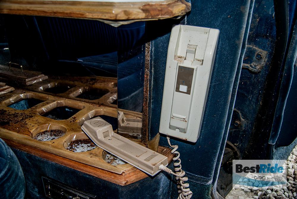 junkyard_cadillac_fleetwood_limousine_1987_1-24