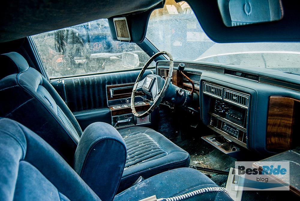junkyard_cadillac_fleetwood_limousine_1987_1-30