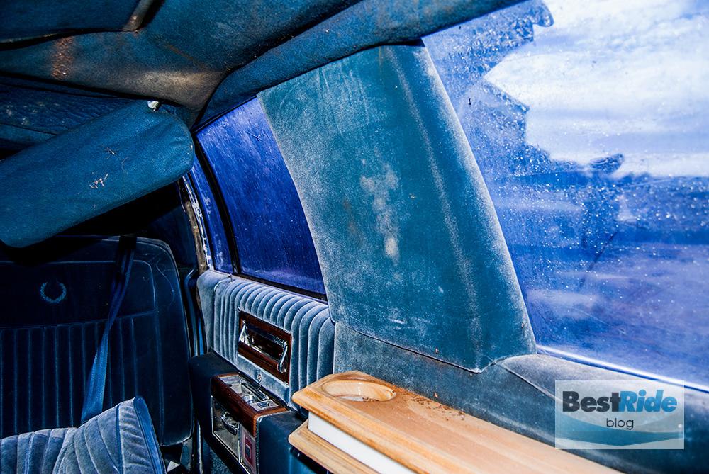 junkyard_cadillac_fleetwood_limousine_1987_1-32
