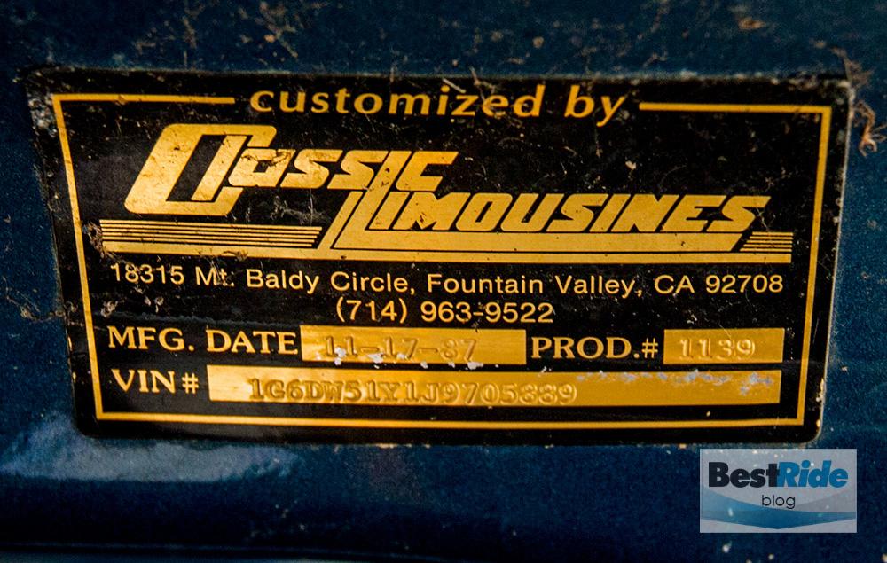 junkyard_cadillac_fleetwood_limousine_1987_1-8