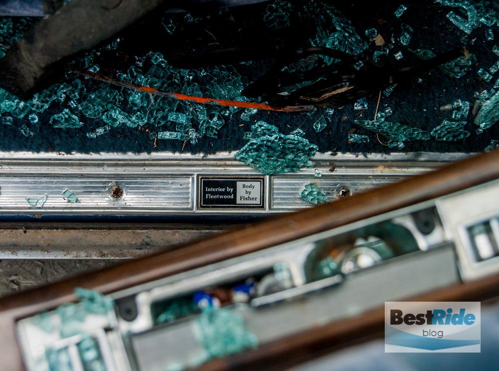 junkyard_cadillac_fleetwood_limousine_1987_1-9
