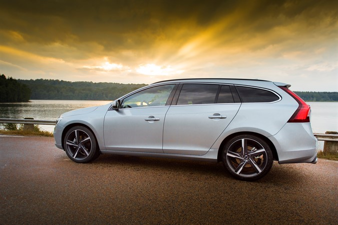 Review 2016 Volvo V60 Cross Country Hits Most Marks