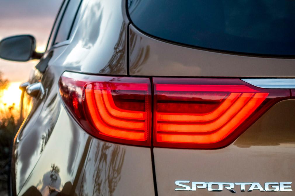10923_2017_Sportage_SX_Turbo_AWD
