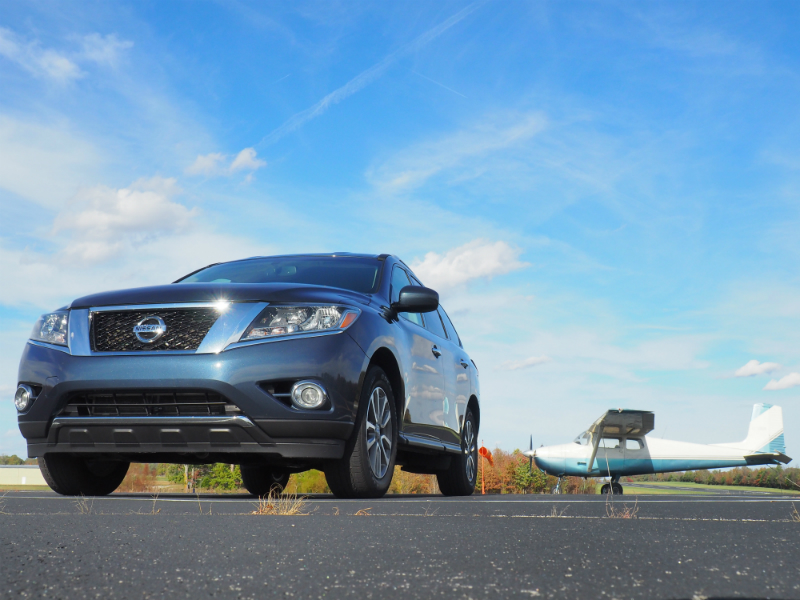 2015 Nissan Pathfinder SV Photo Shoot 002