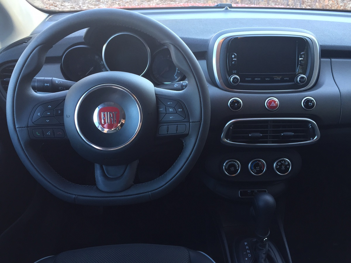 2016 Fiat 500X Dash