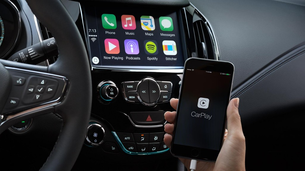 Buyers Guide - Apple CarPlay Pros and Cons 2