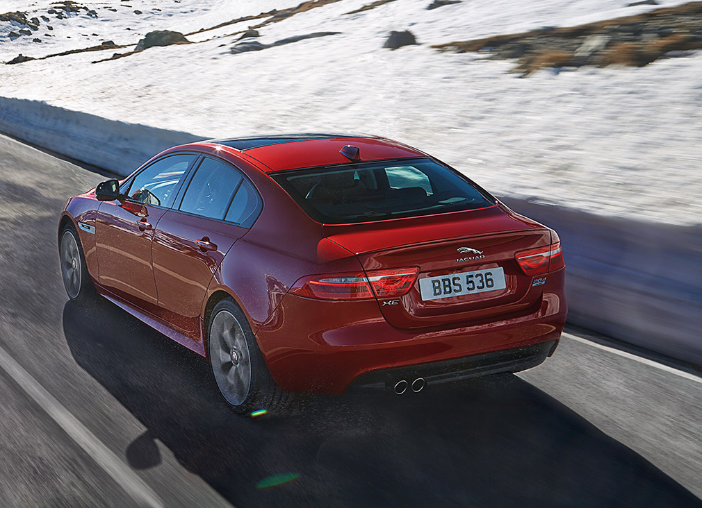 JAGUAR_XE_AWD_Location_05