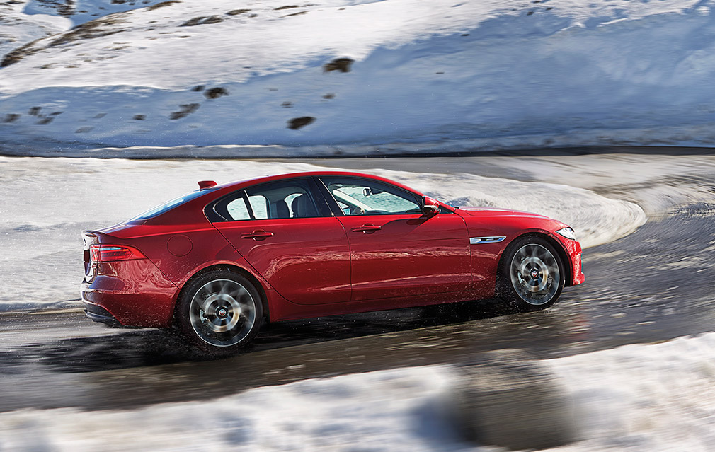 JAGUAR_XE_AWD_Location_08